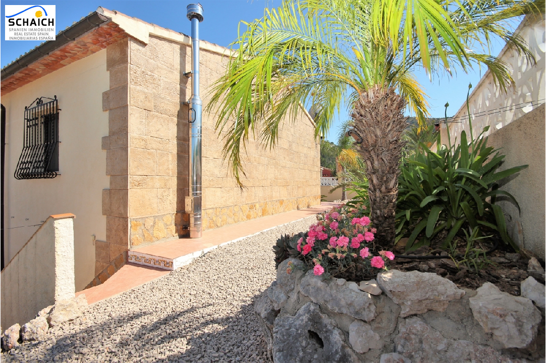 villa in Orba for sale, built area 204 m², year built 2004, condition neat, + central heating plot area 617 m², 4 bedroom, 4 bathroom, ref.: MJ-2117-19