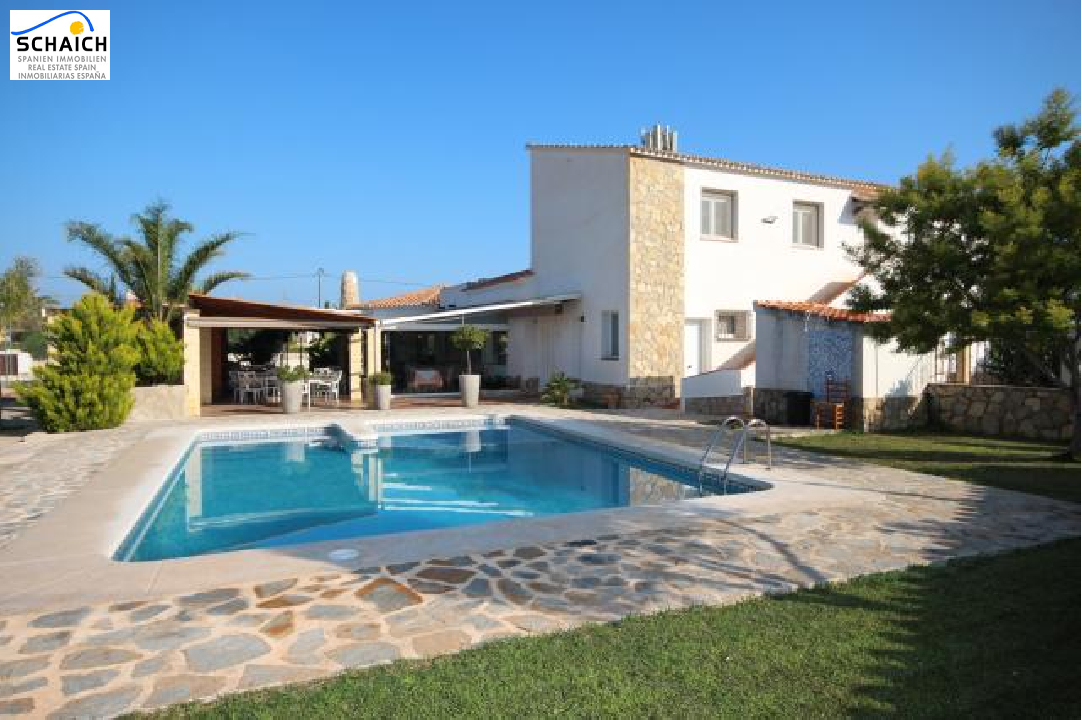villa in Denia(Galeretes) for sale, built area 400 m², year built 1977, condition modernized, + central heating air-condition yes, plot area 2392 m², 6 bedroom, 2 bathroom, swimming-pool yes, ref.: SC-T1515-1