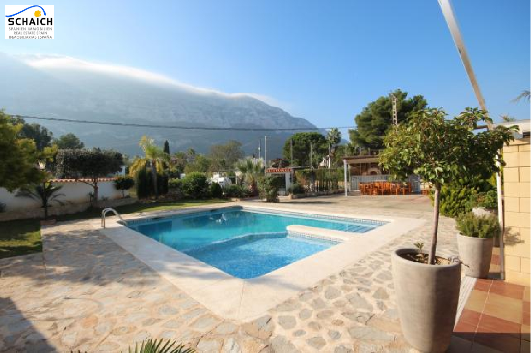 villa in Denia(Galeretes) for sale, built area 400 m², year built 1977, condition modernized, + central heating air-condition yes, plot area 2392 m², 6 bedroom, 2 bathroom, swimming-pool yes, ref.: SC-T1515-39